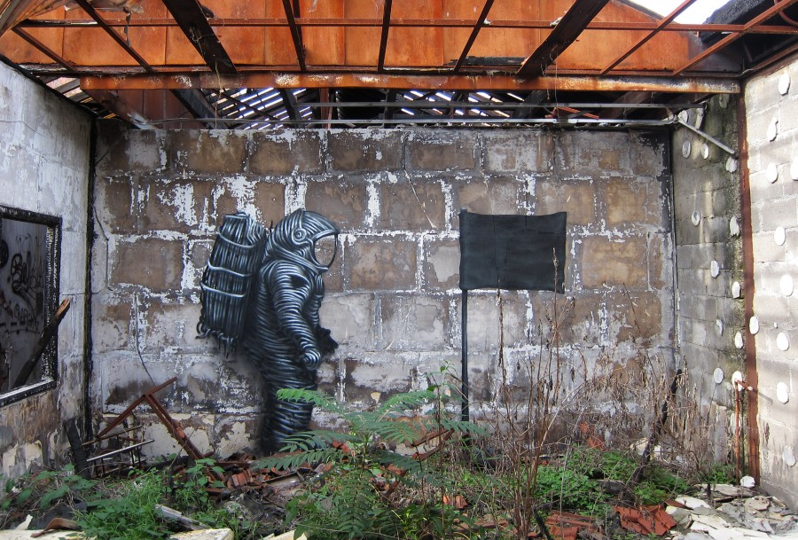 DALeast-'No-Surrender'Paris-France2011-e1435675486474