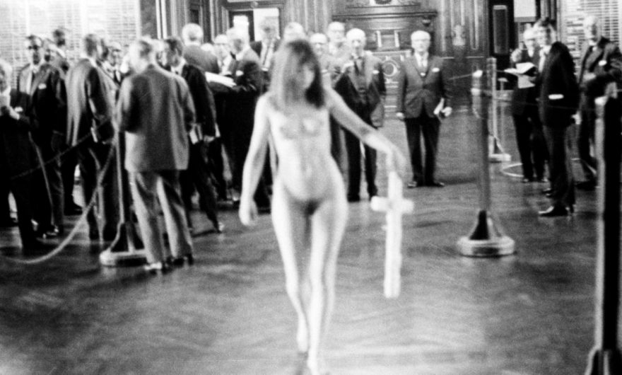 Consecuencias del capitalismo en el cuerpo humano; la exposición que debes visitar?
