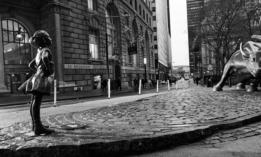 Fearless girl: la escultura que desafía a los empresarios de Wall Street