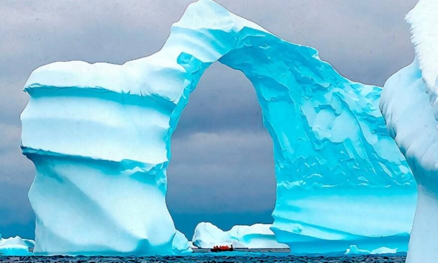 La Primera Bienal de la Antártida: artistas intervienen glaciares