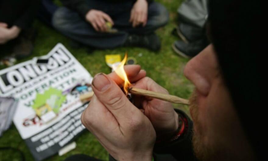 El 4/20: fumar marihuana en el mundo del arte, algo más que un viaje