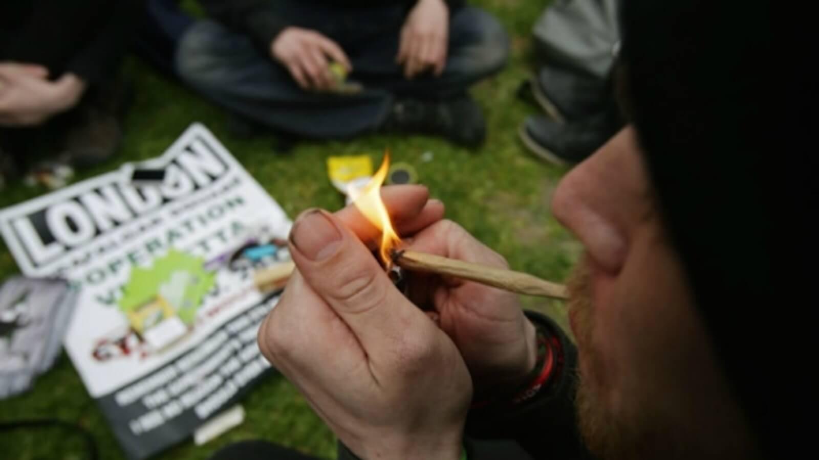 El 4 20 Fumar Marihuana En El Mundo Del Arte Algo Mas Que Un Viaje