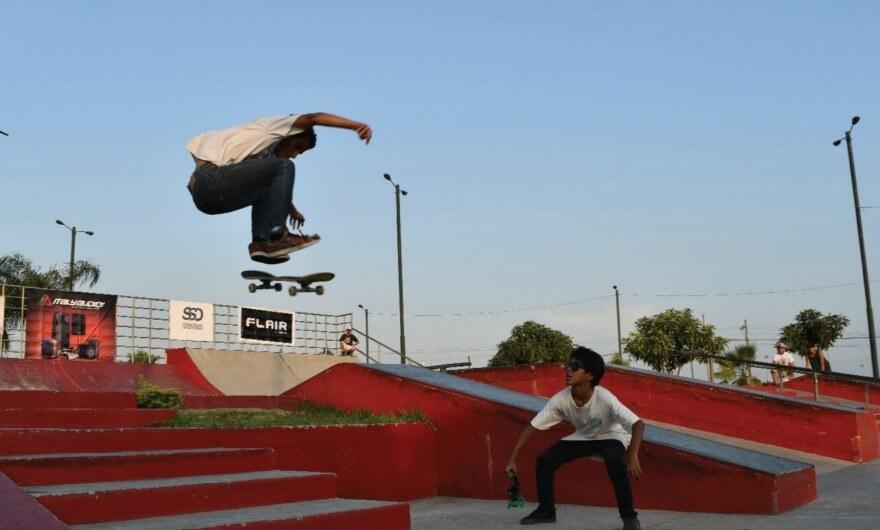 Primera colectiva de skate art en Ecuador ?