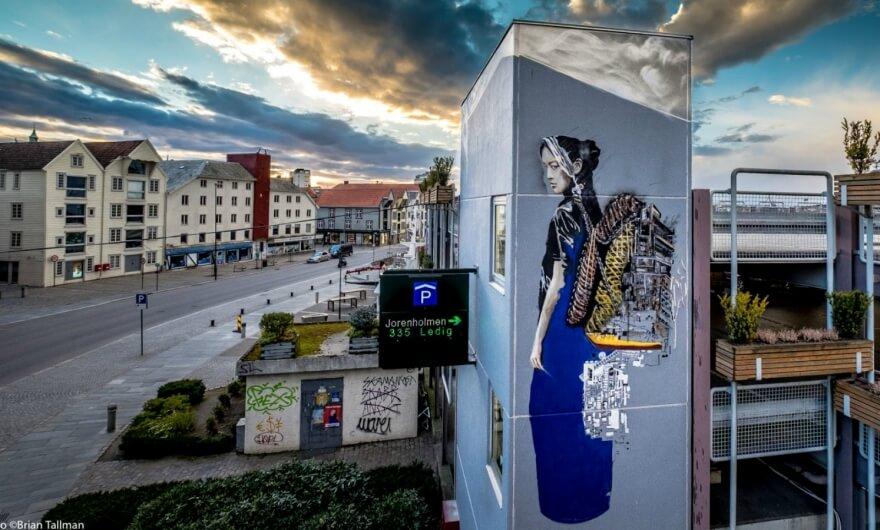 Nuevo mural de NMI para el Festival Nuart: un recordatorio sobre la migración