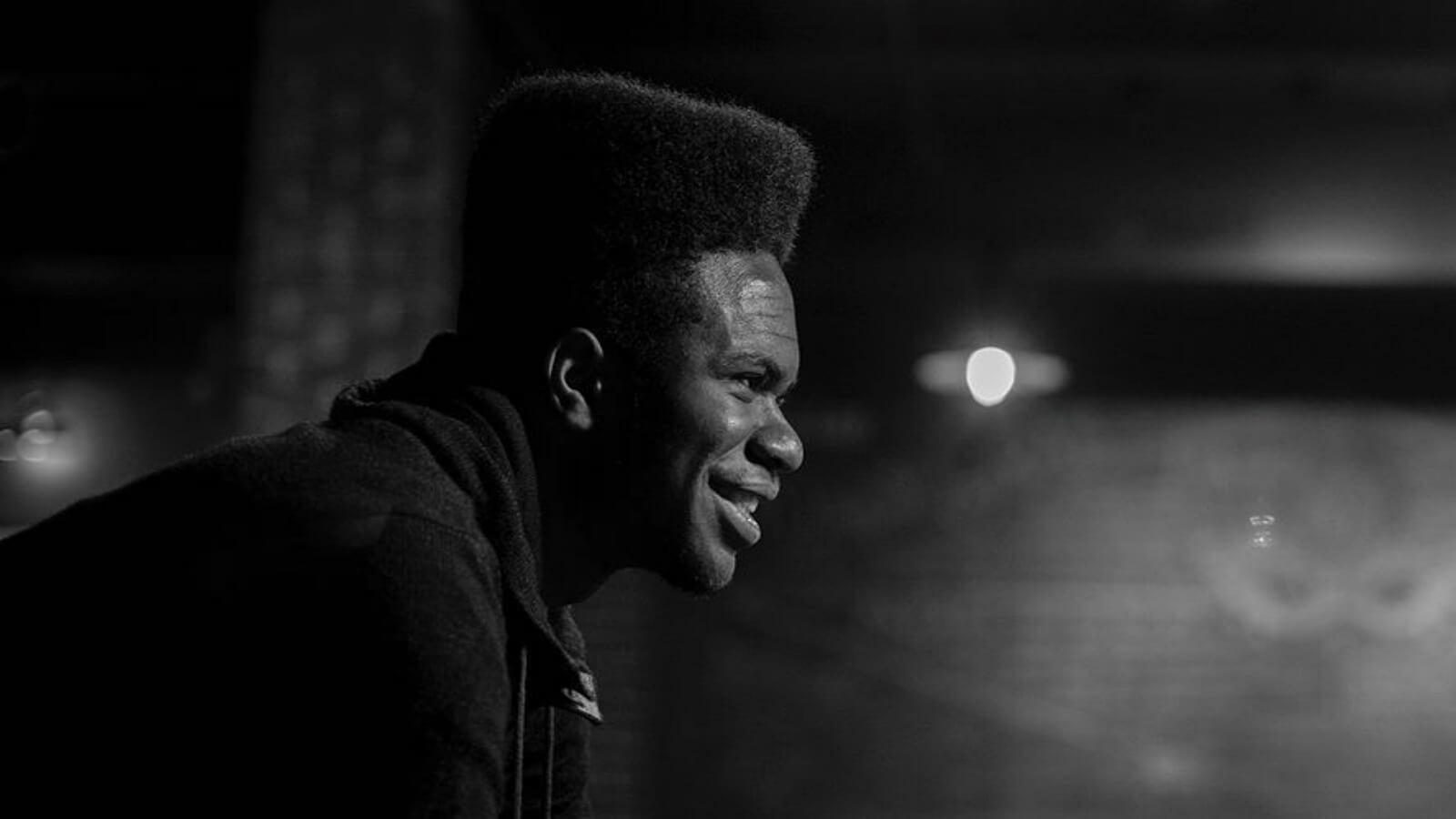 El rap de Obasi Shaw conquista a Harvard