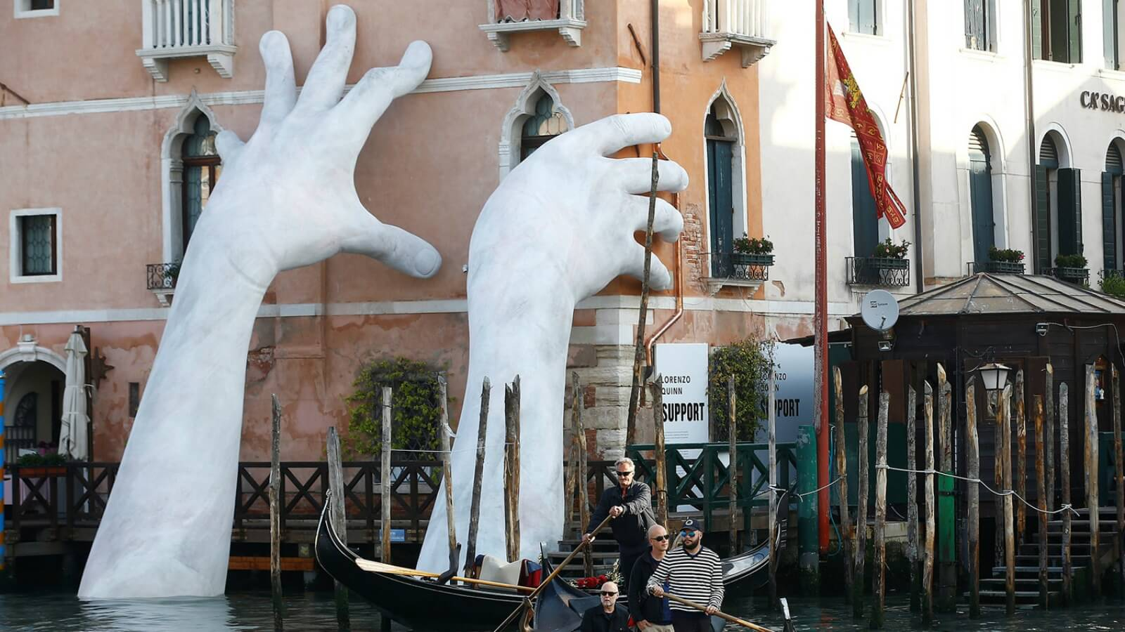 Los trabajos más destacados hasta el momento en la Bienal de Venecia ?