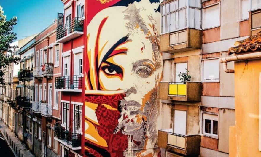 Shepard Fairey y Vhils crean mural juntos: la importancia de la serigrafía en el arte urbano
