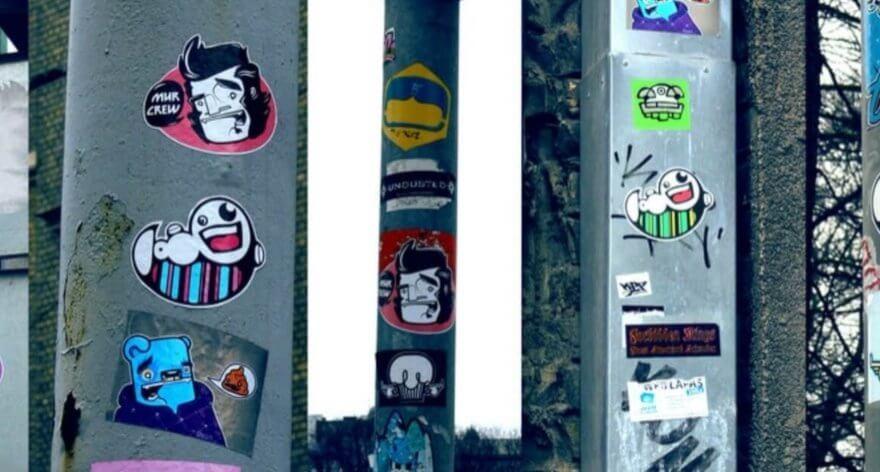Stick to it: Serie que documenta stickers urbanos y skate