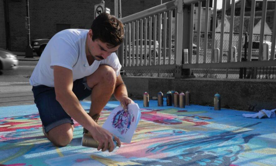 Wiedenmayer interviene el mural más grande de Boston