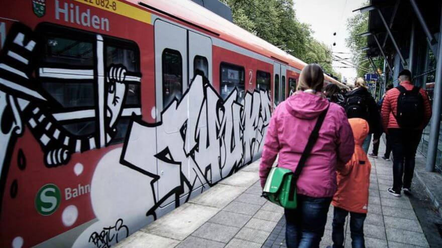 Black & White un homenaje en grafiti a Spy vs. Spy