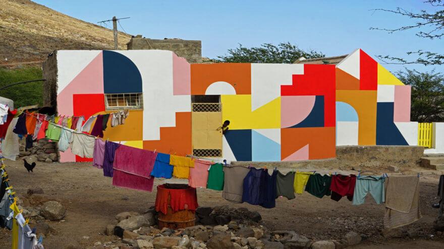 Las superficies geométricas de El Tono
