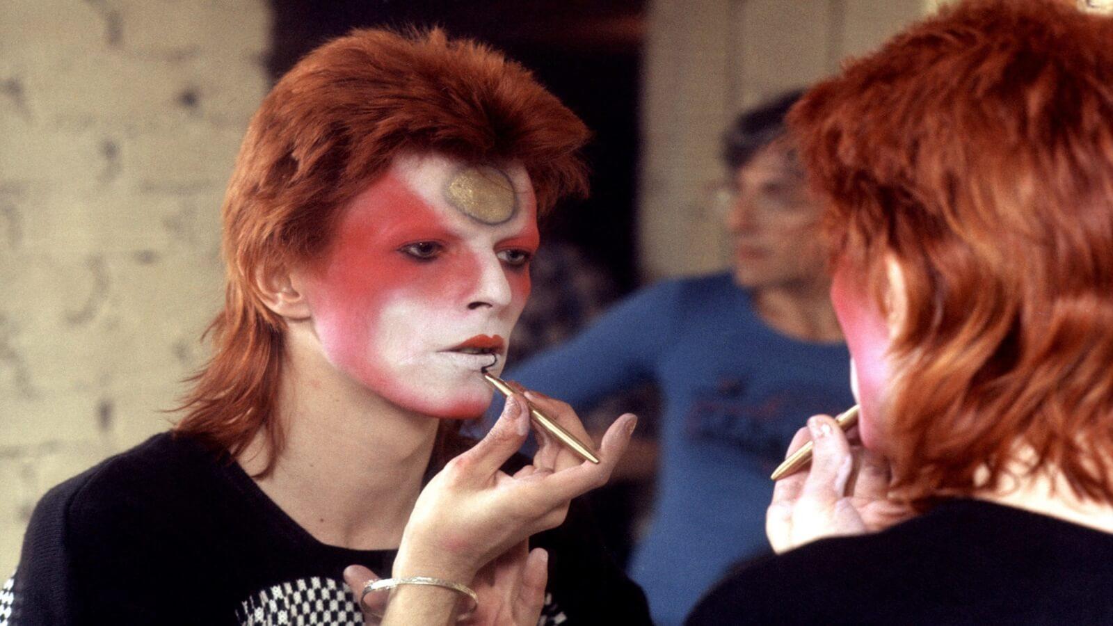 David Bowie en impresionantes piezas de arte japonés