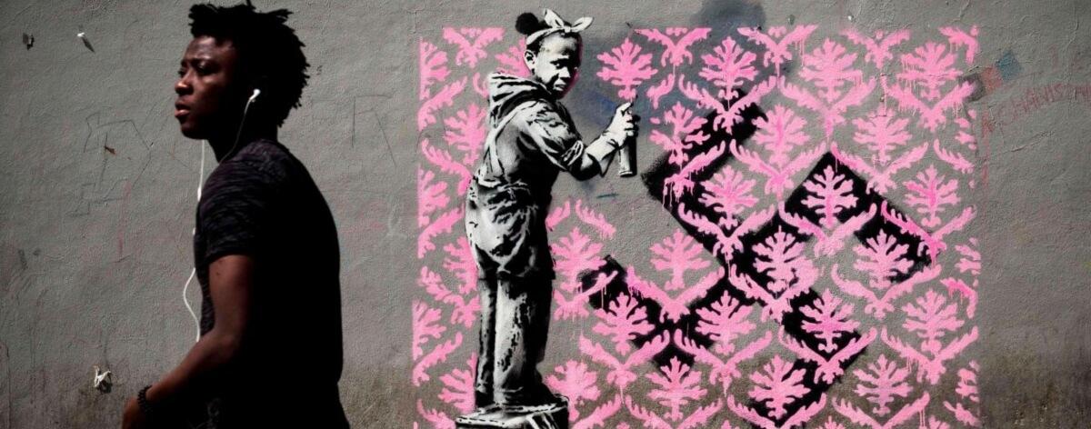 Banksy aparece con nuevas obras en París