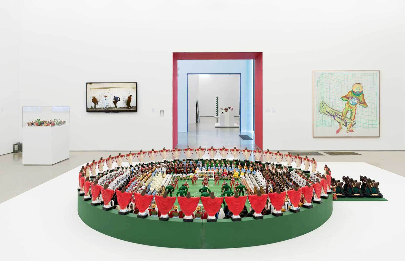 Análisis de la relación del deporte con temas sociales y políticos enPeréz Art Museum Miami