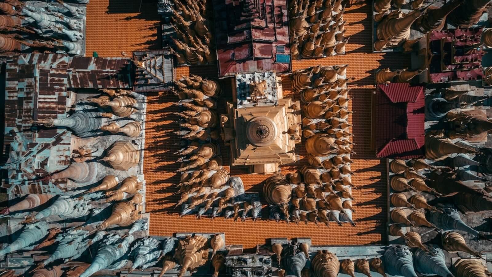 Templos budistas desde el aire por Dimitar Karanikolov