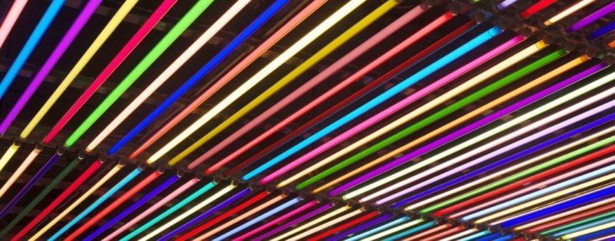 Instalaciones coloridas por parte de Liz West