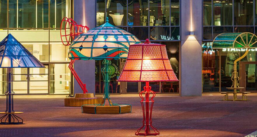 Conoce las lámparas gigantes de Manchester
