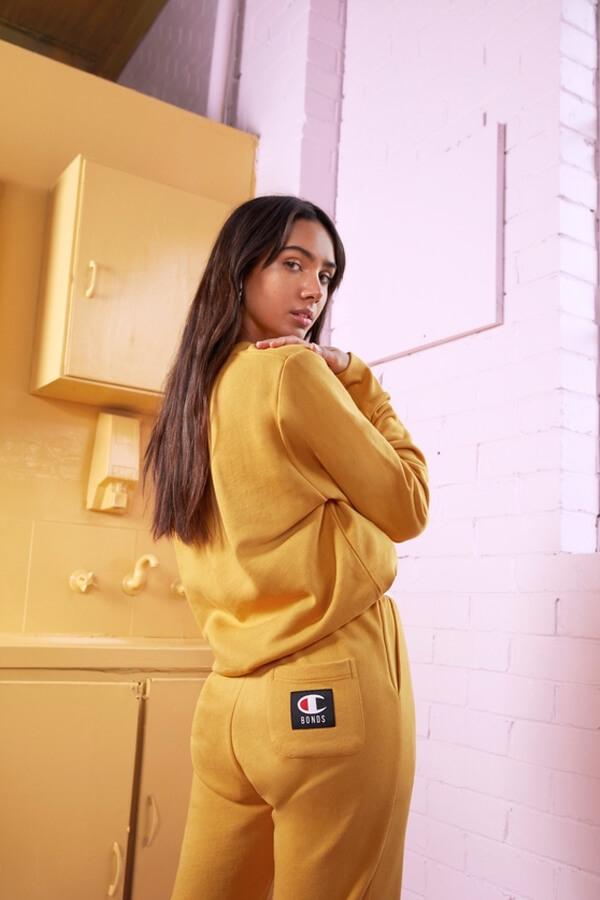 Streetwear unisex por parte de Champion y Bonds