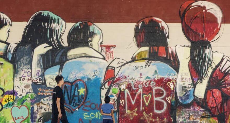 Achilleas Souras y Alice Pasquin crean un mural con conciencia