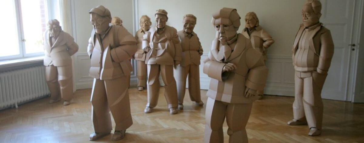 Warren King y la cultura China recreada en Cartón
