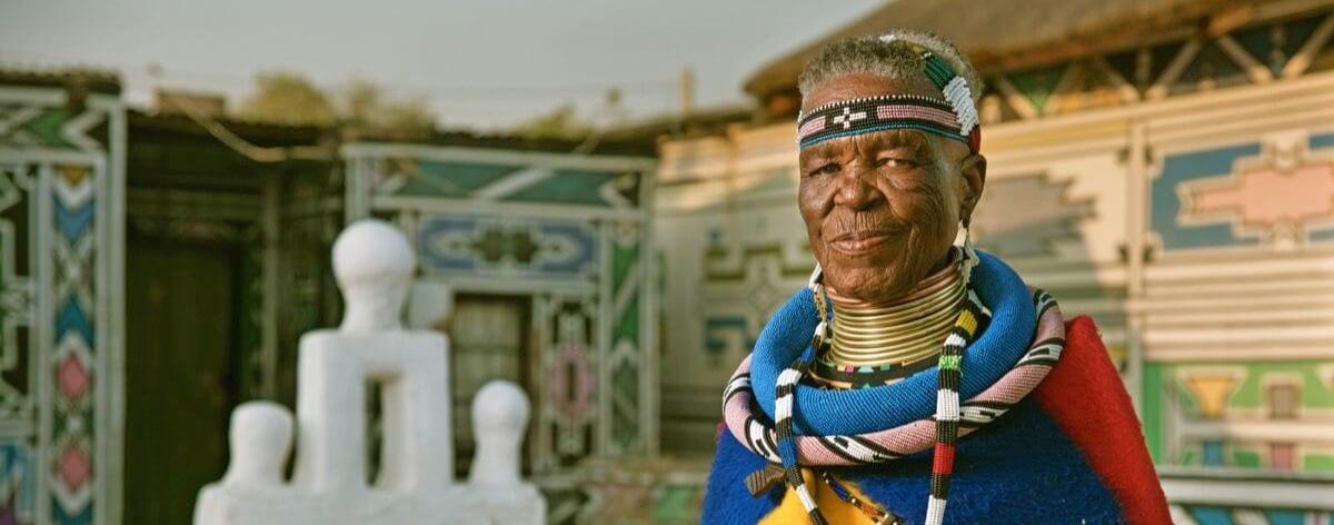 Esther Mahlangu lleva su arte al mundo desde Sudáfrica