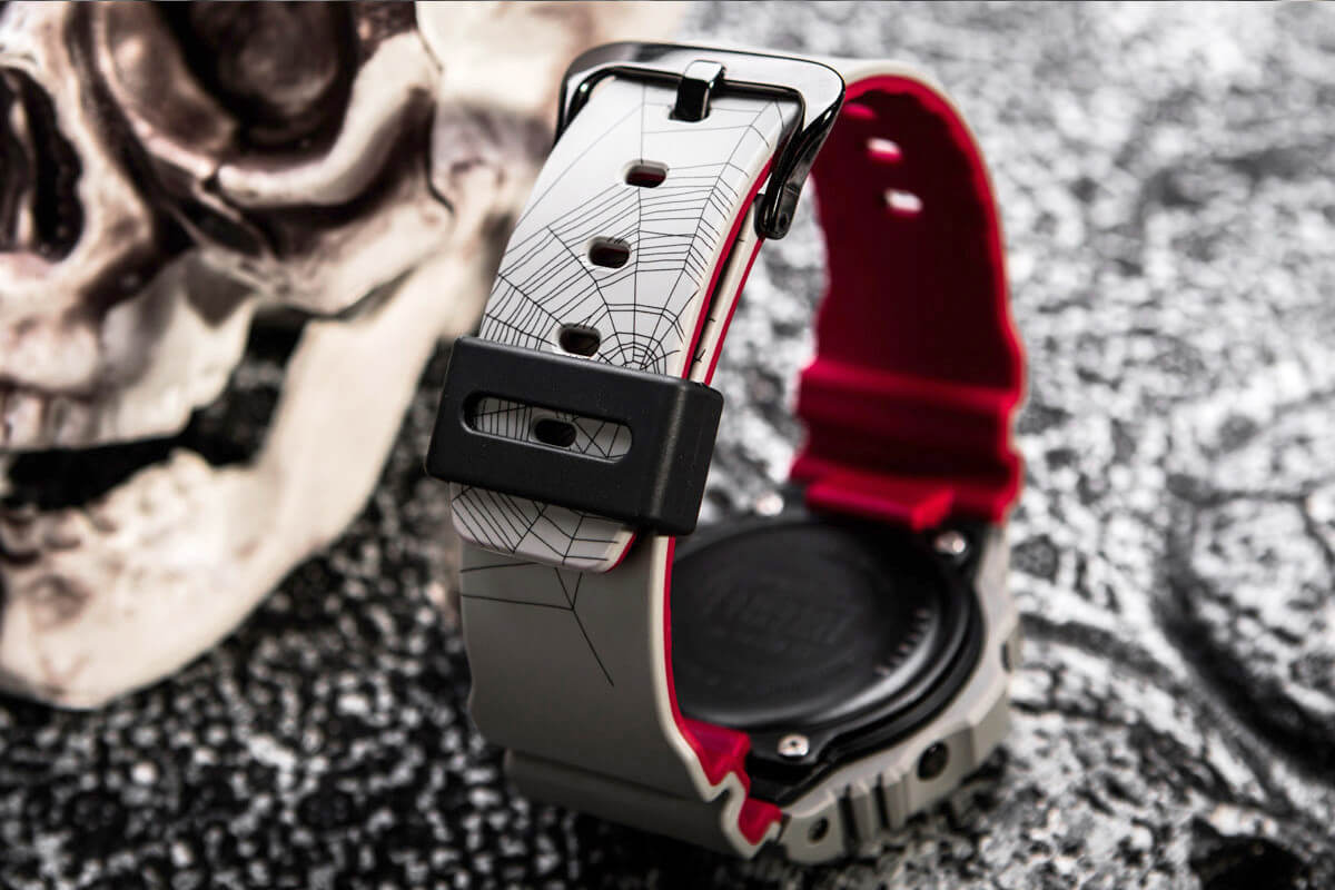 sneaker-freaker-g-shock-redback-halloween-collaboration-4