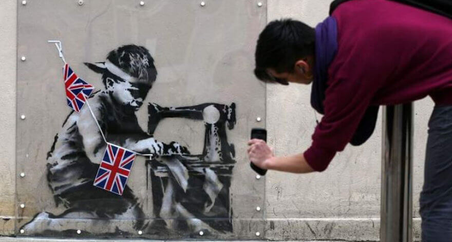 Ron English compra obra de Banksy para modificarla