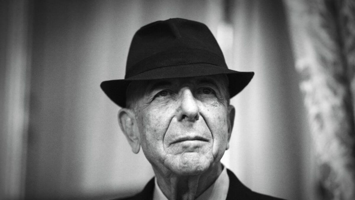 Fotografía de Leonard cohen con sombrero - Exposición de Leonard Cohen en NY