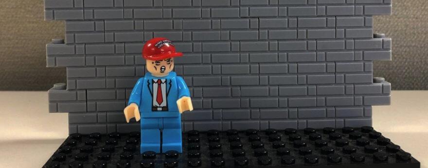 Muro fronterizo de Trump en versión juguete