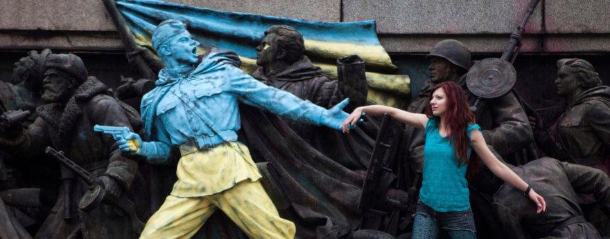 Rusia pidió que dejen de pintar sus monumentos