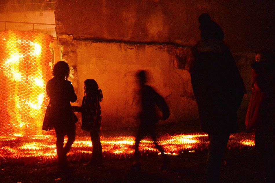 Las calles de Cataluña se iluminan con ríos de lava - All City Canvas