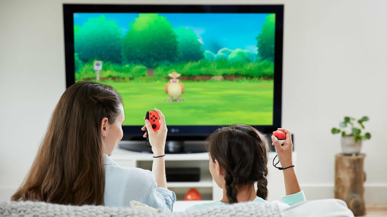 Pké Ball Plus por Nintendo