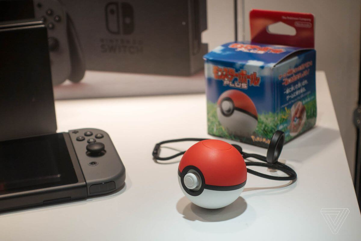 Poke-Ball-Plus-por-Nintendo