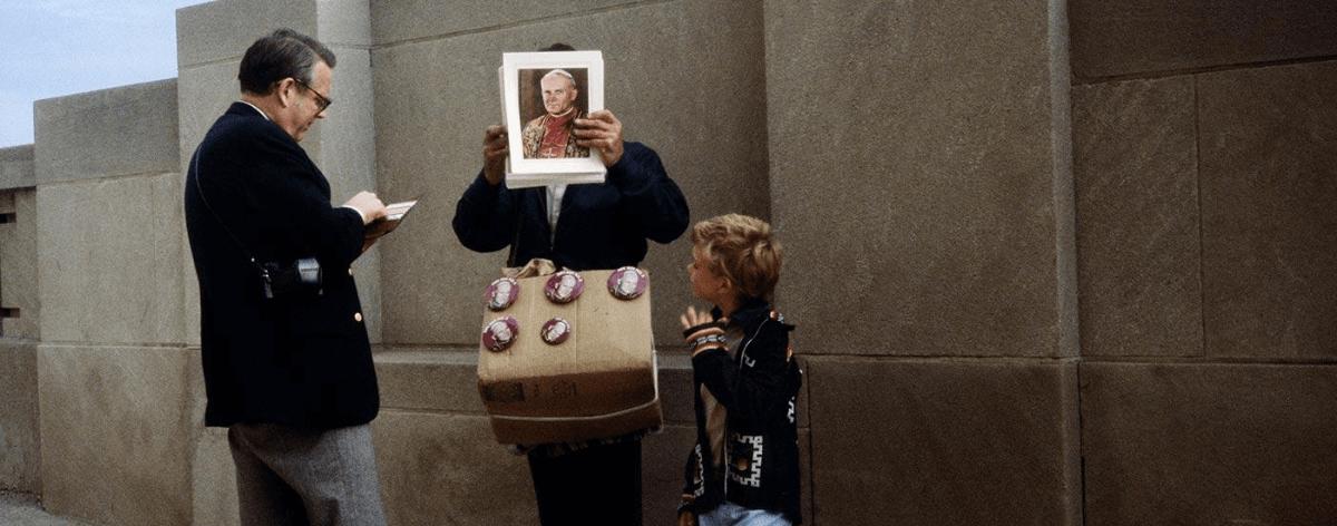 Vivian Maier presenta sus retratos callejeros a color