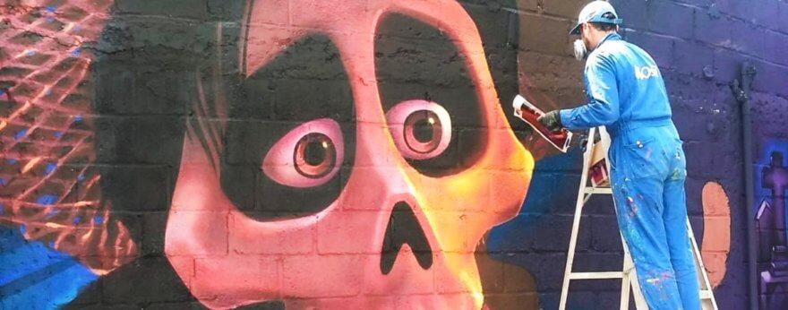 Murales de Coco en un panteón de Guanajuato