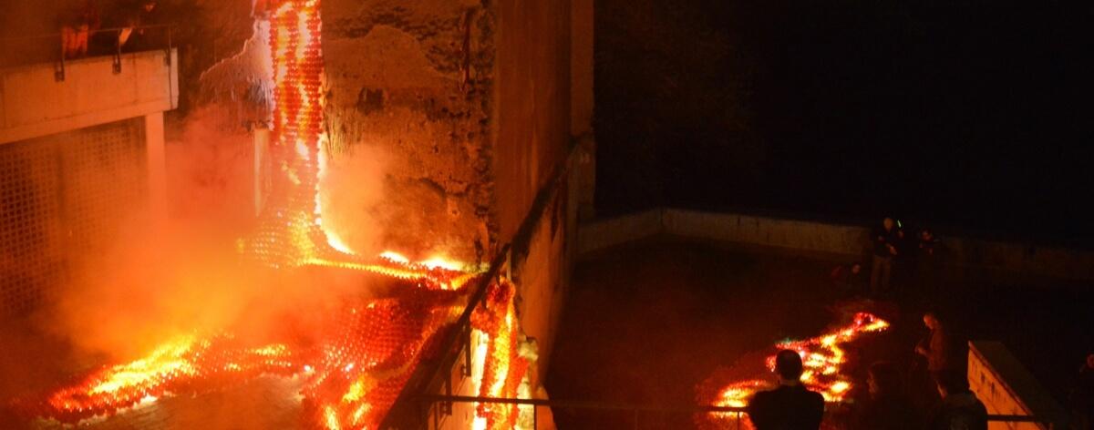 Origami hecho lava en Lluèrnia, Festival del foc i la llum