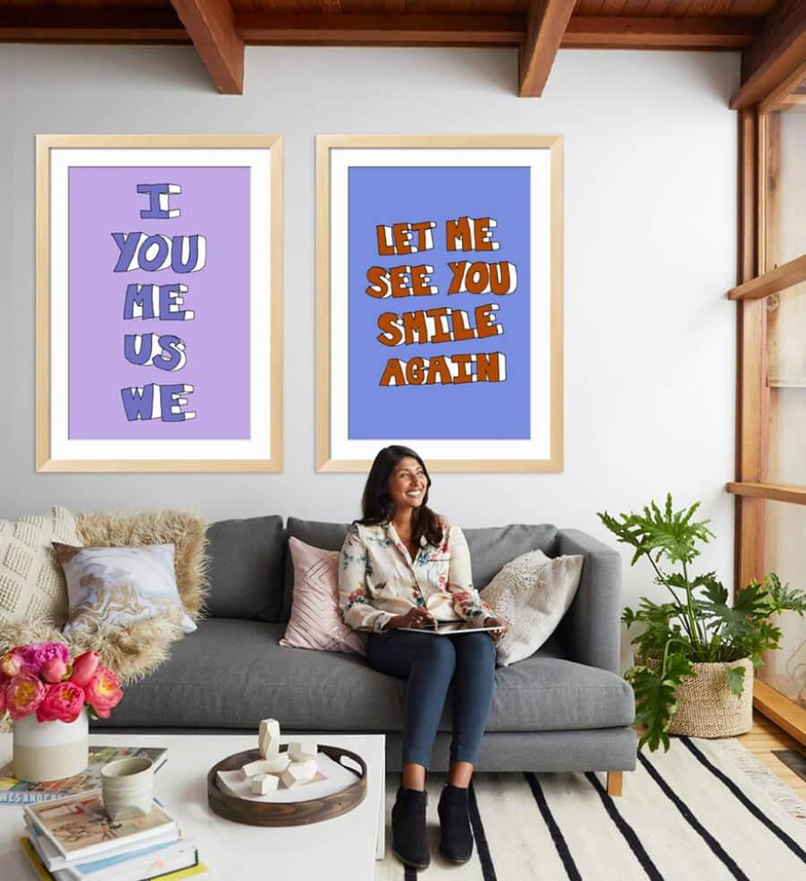 Fotografía de persona en su hogar con obras de art.com - Walmart compra art.com