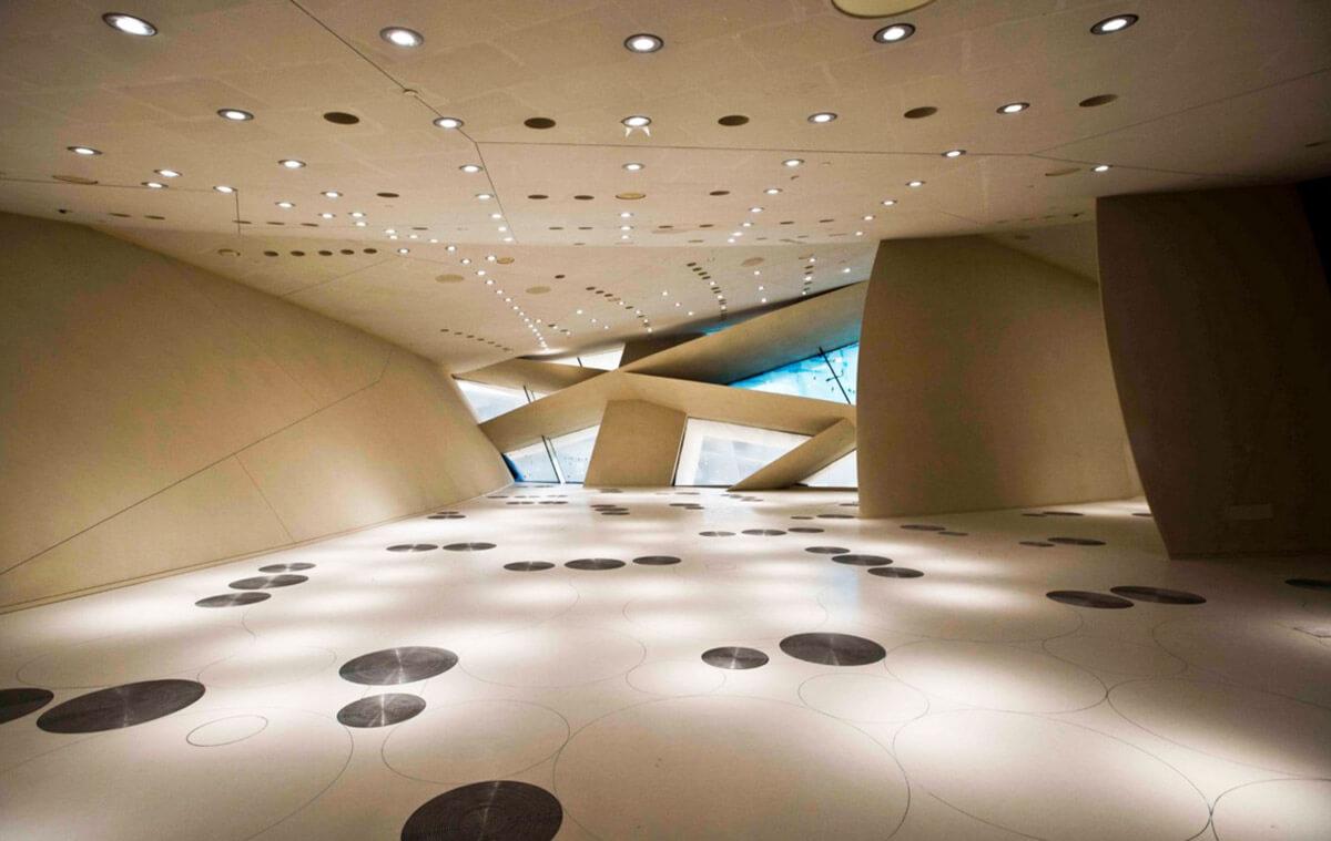 Interior del Museo Nacional de Qatar por Jean Nouvel
