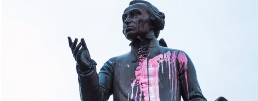 Monumento a Kant es atacado en Kaliningrado