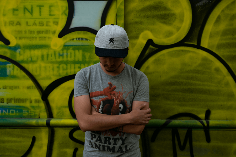 Gorra colaborativa por Tony Delfino, New Era y Sobekcis