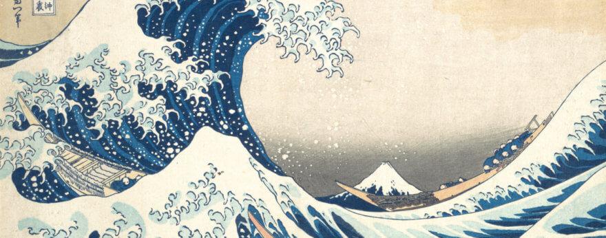 La gran ola de Katsushika Hokusai cubre edificios rusos