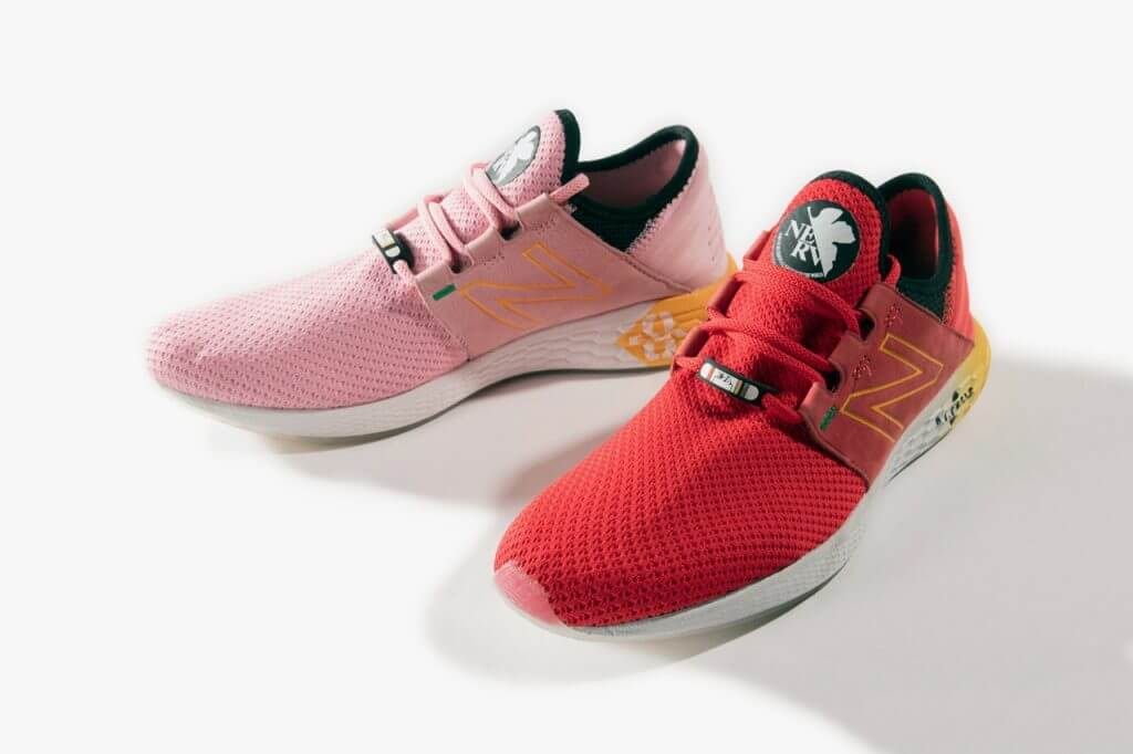 New Balance Evangelion rosa y rojo