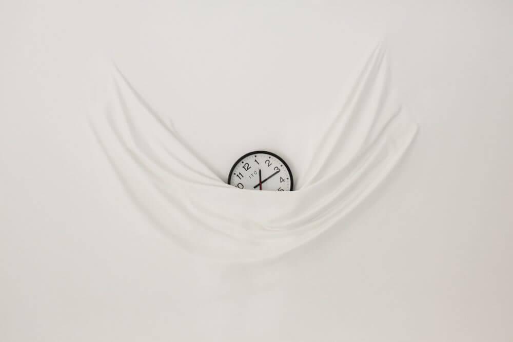 """Parte de la obra expuesta en """"Connecting Time"""" de Daniel Arsham"""