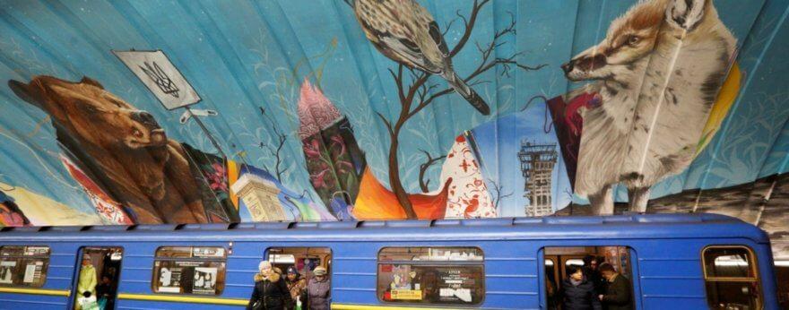 Más que nosotros, murales que invaden Kiev