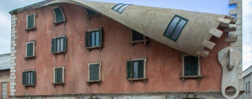 Alex Chinneck sorprende con intervención en Milán