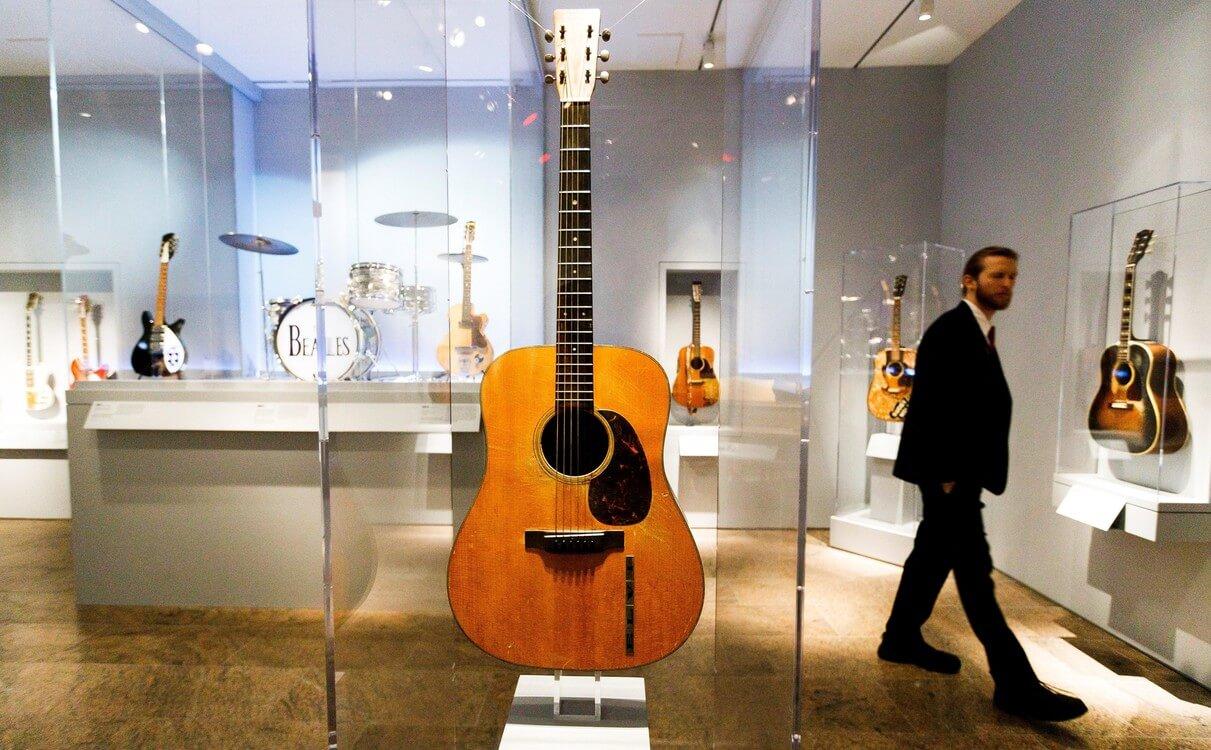 exposición musical rock and roll en el Met Museum
