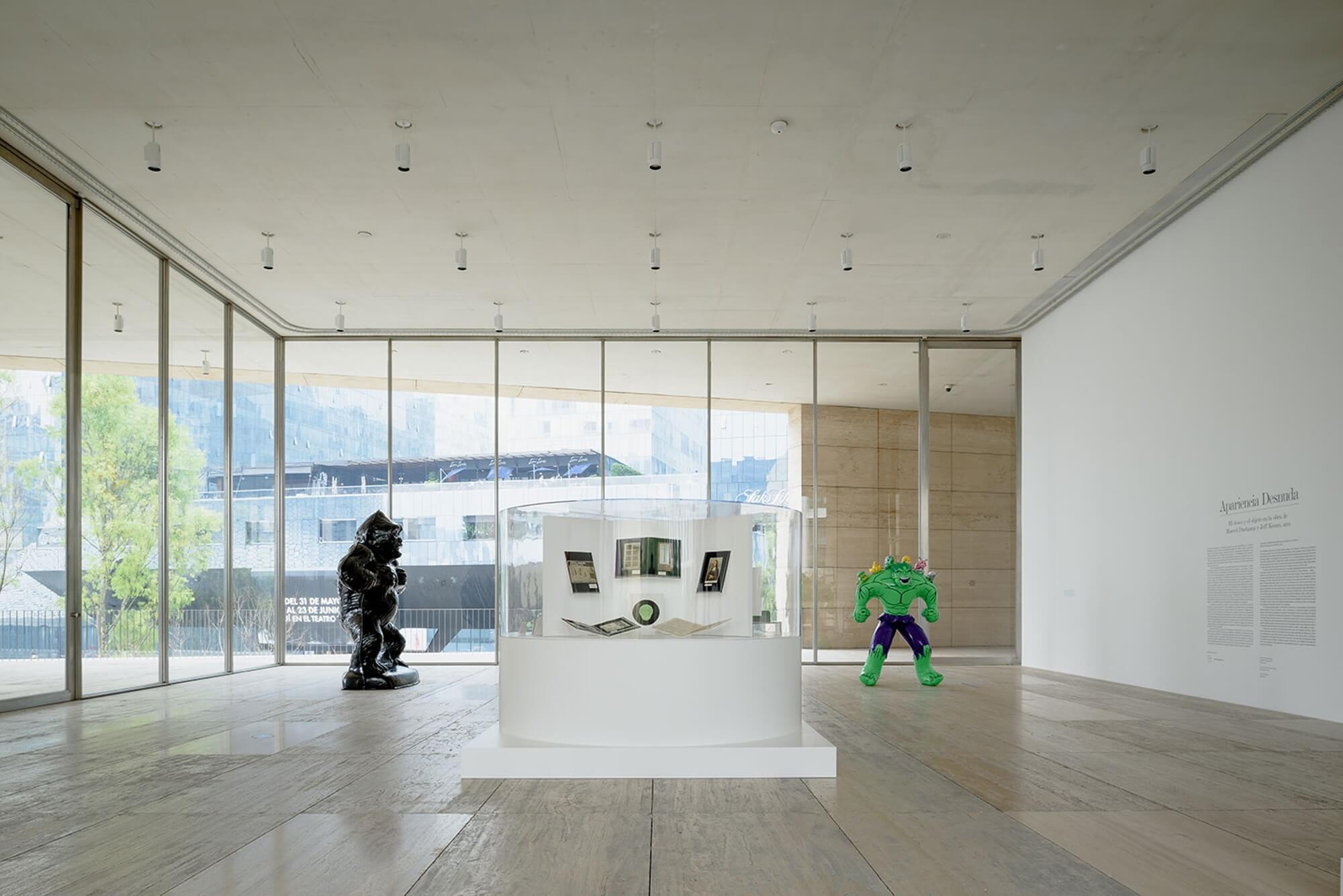 Obras de Duchamp y Koons en el Museo Jumex