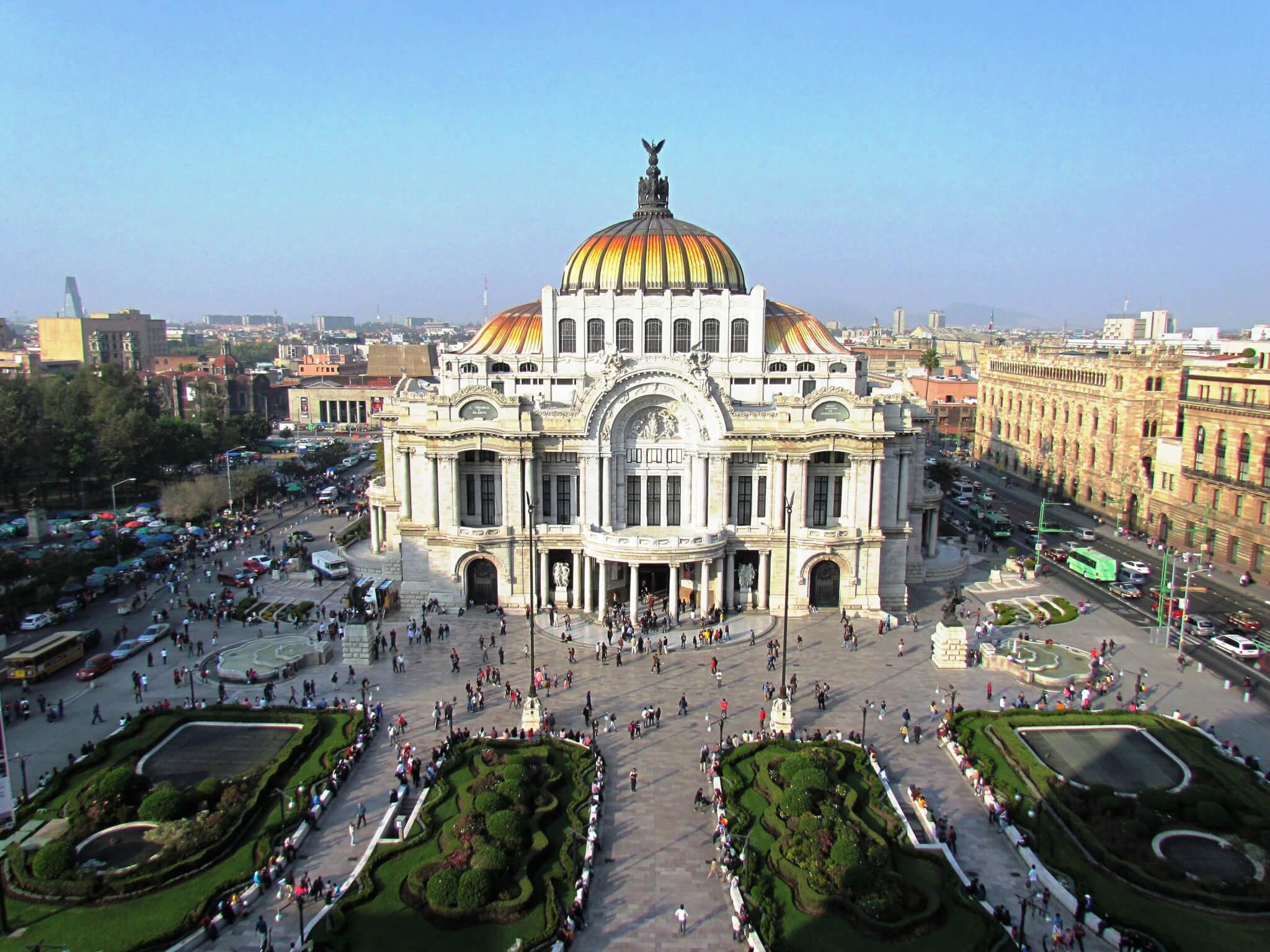 Palacio de Bellas Artes visto de Sears
