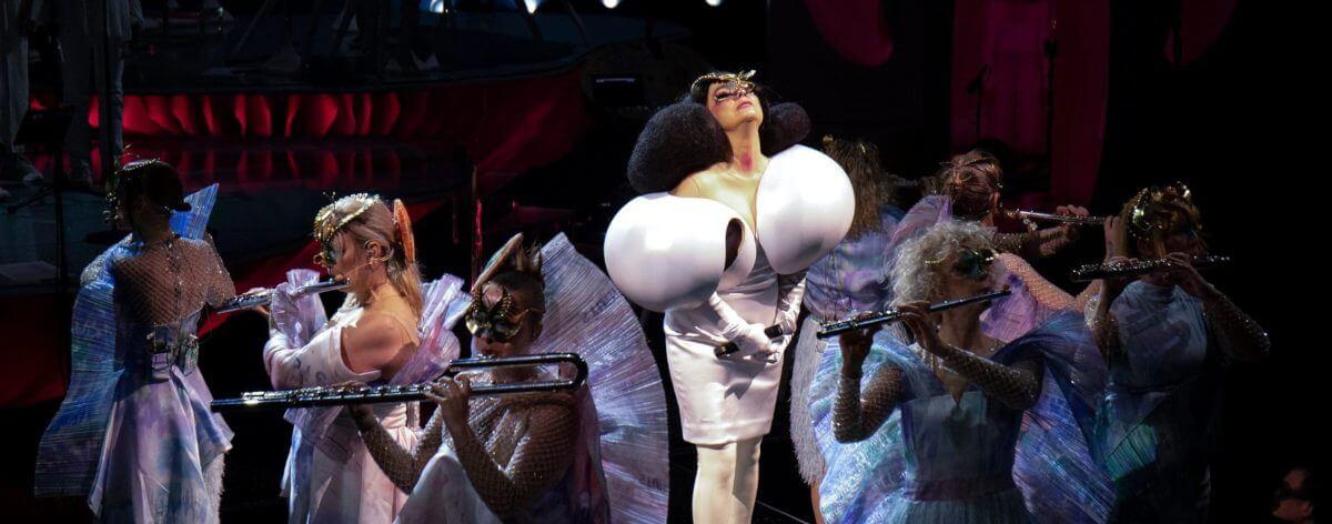 Cornucopia, el nuevo acto en vivo de Björk
