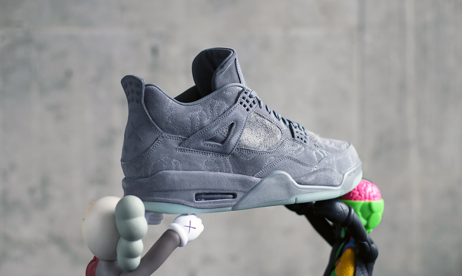 Air Jordan 4 Retro x Kaws